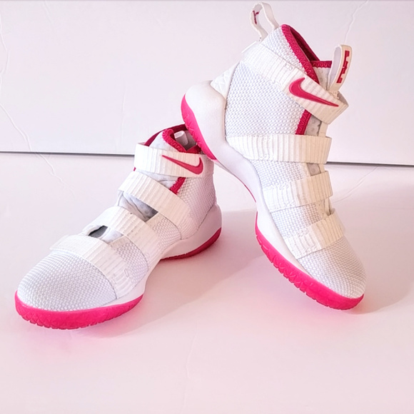 finest selection 3f832 f7b4a Nike LeBron Soldier XI Pink White Shoes Unisex 13C